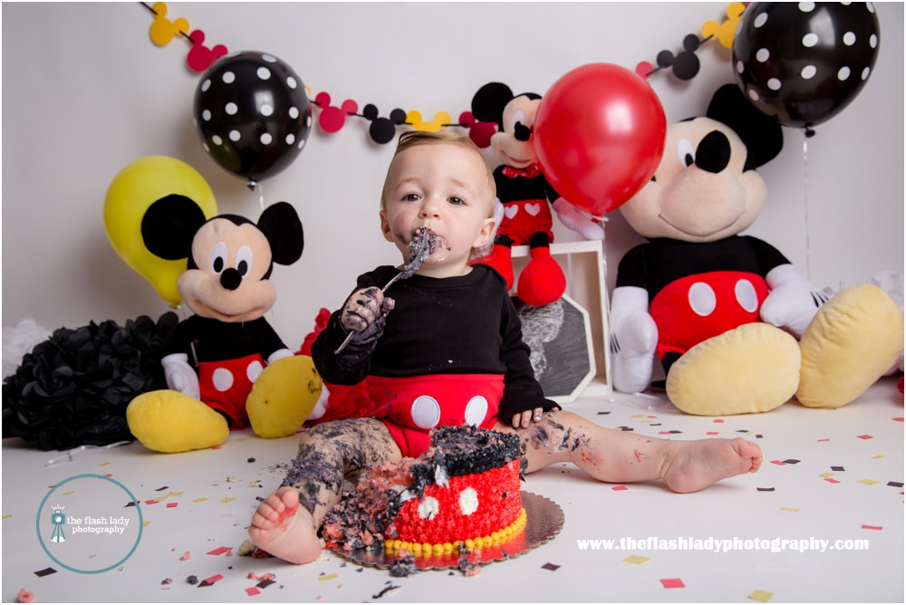 mickey mouse smash cake ct photographer flash photography 5888