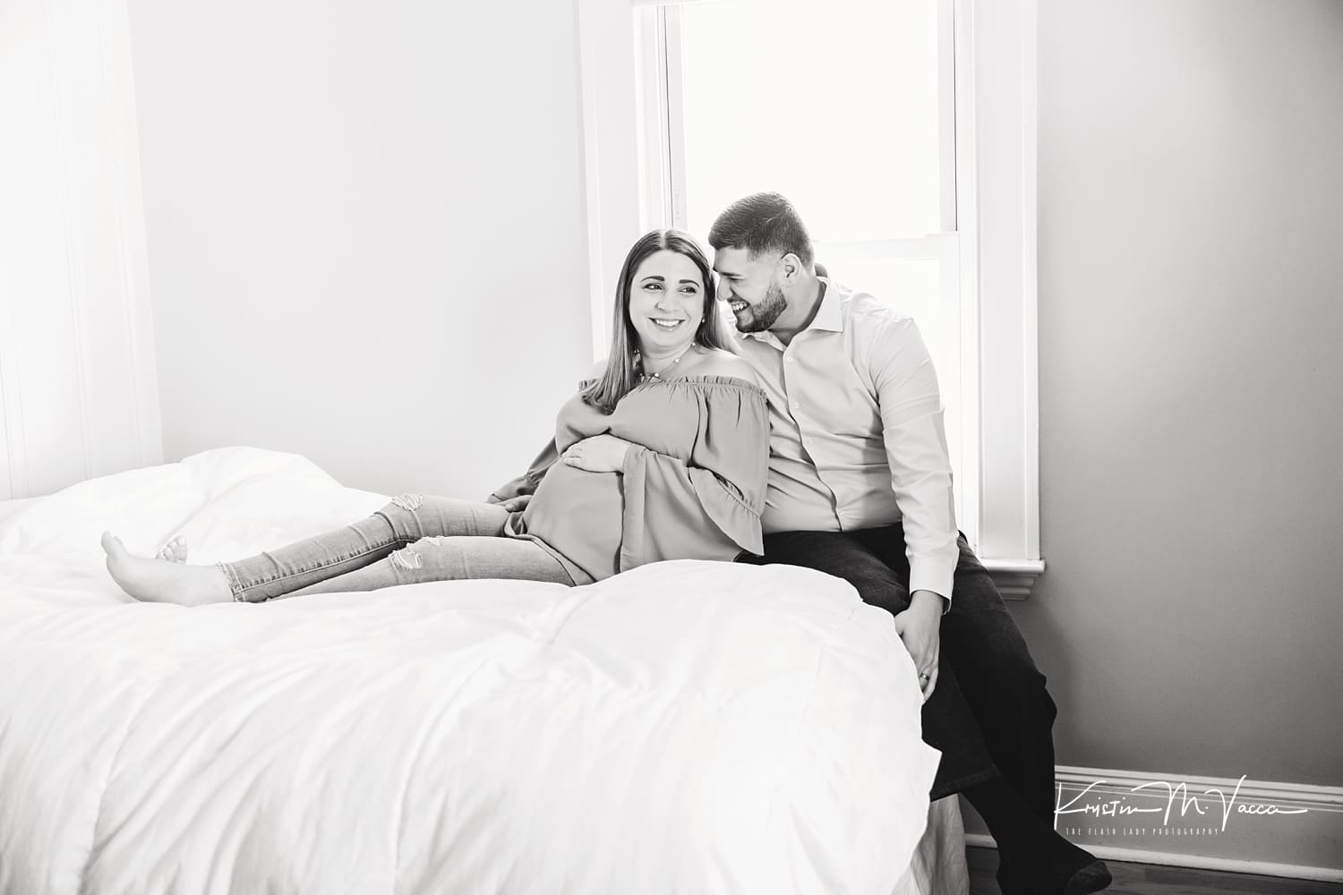 Laura & Edwin's lifestyle maternity photography session by West Hartford photographer The Flash Lady Photography