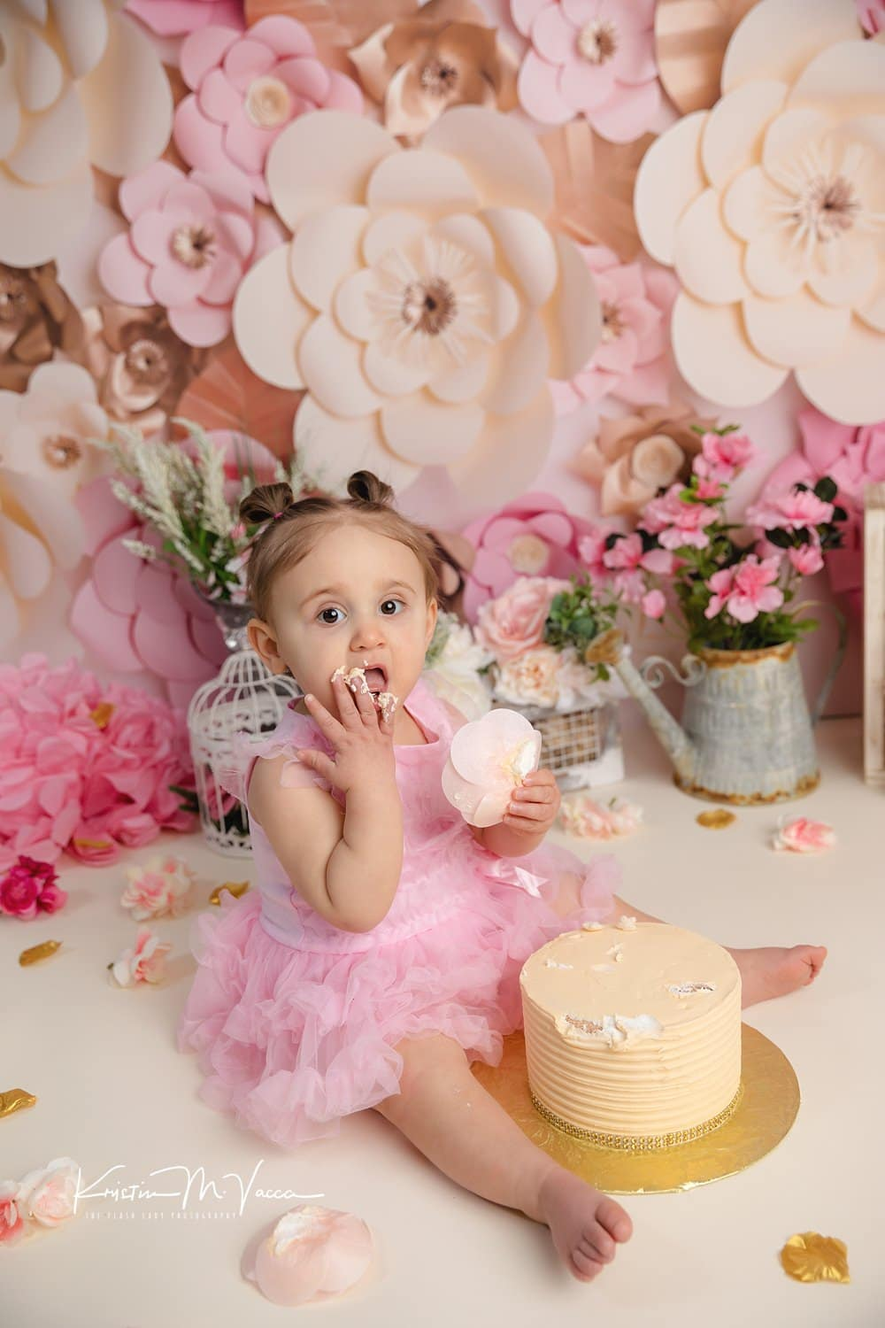 Zoeys Flower 1st Birthday Cake Smash By New York And Connecticut Photographer The Flash Lady Photography