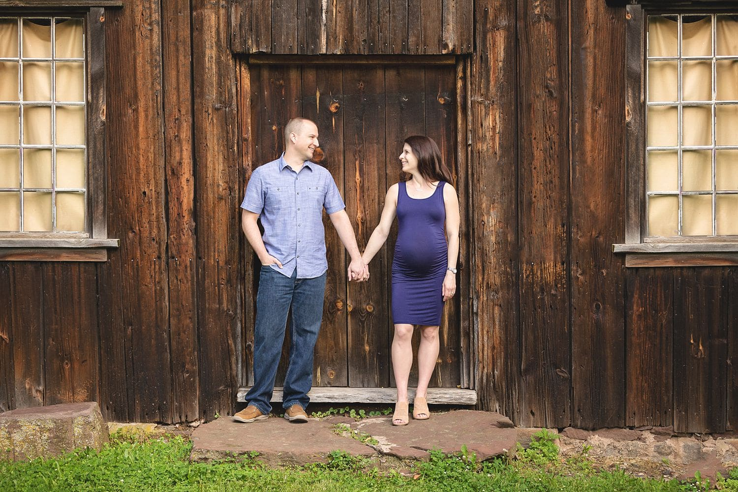 Lifestyle maternity photography by Newington, CT photographer The Flash Lady Photography