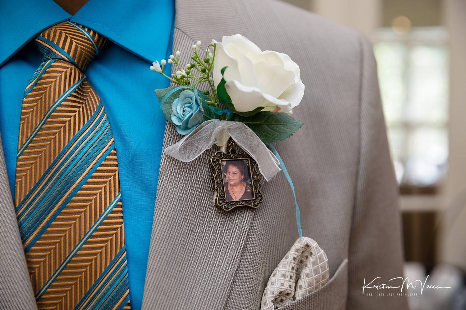 Intimate wedding photos from Louis & Damary's ceremony at The Simsbury 1820 House by Simsbury, CT photographer The Flash Lady Photography