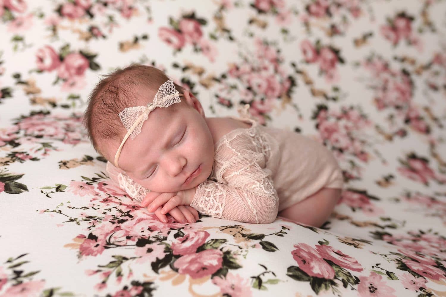 Artistic-studio-newborn-photography-Hartford-Connecticut-by-The-Flash-Lady-Photography