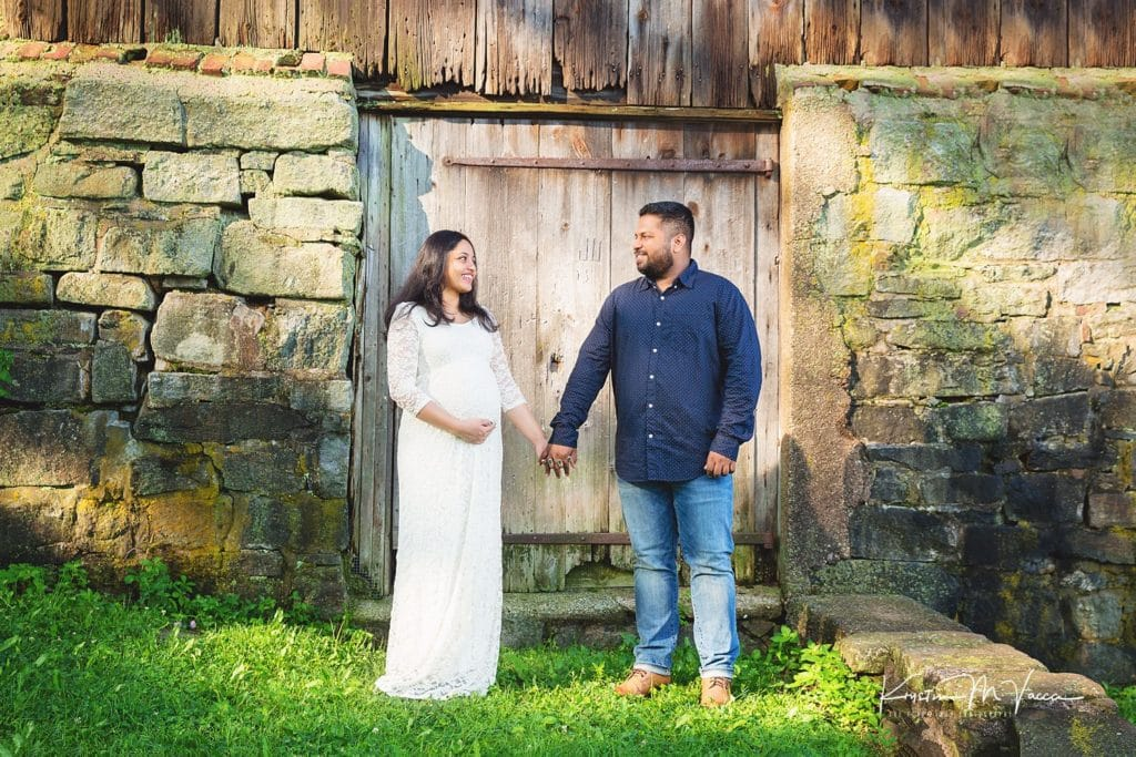 Outdoor maternity photography with Sam & Sneha by Newington, CT photographer The Flash Lady Photography