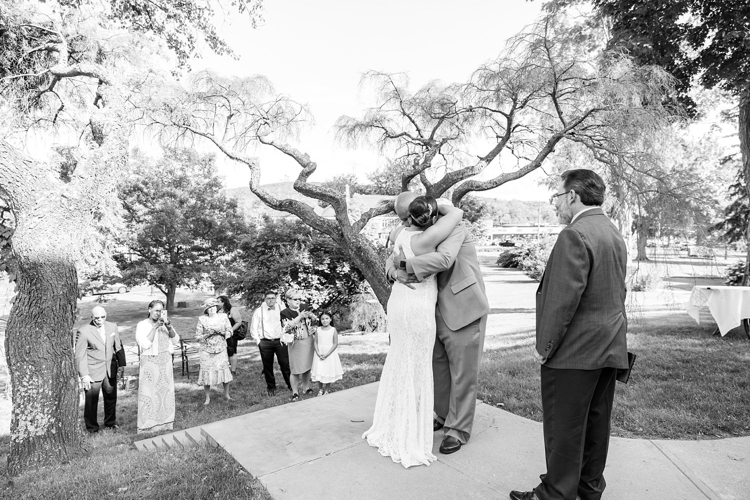 Timeless classic wedding photography by Hartford Connecticut photographer The Flash Lady Photography
