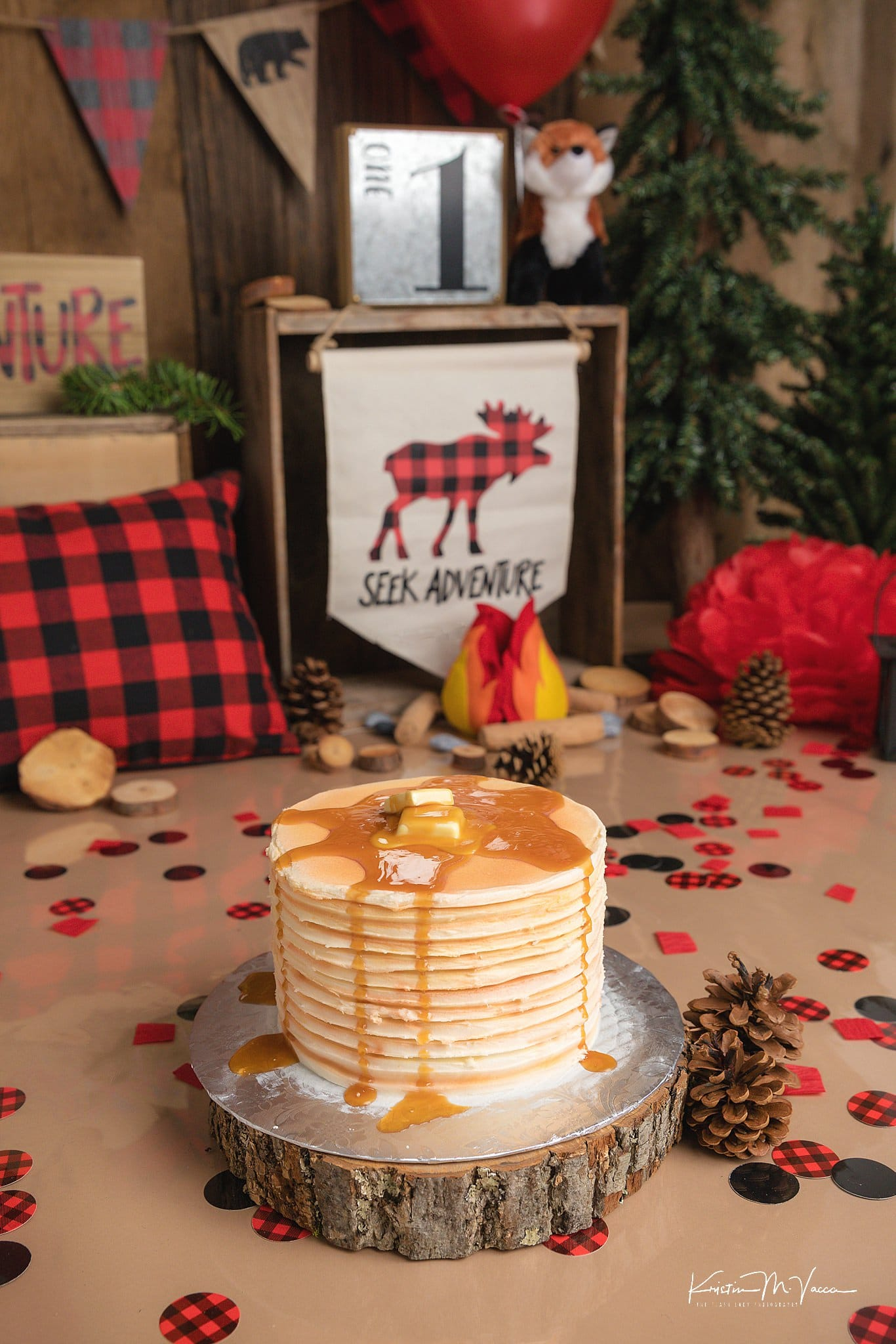 Photos of Mark's lumberjack cake smash by Newington, CT photographer The Flash Lady Photography