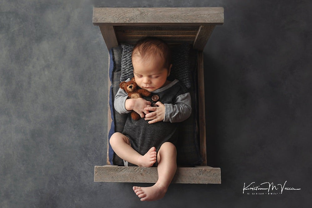 Baby boy newborn photography of Benjamin by The Flash Lady Photography