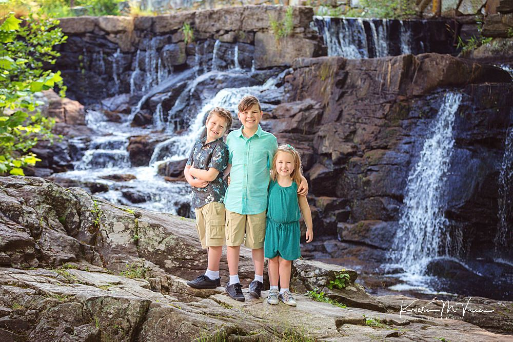 Cousin family photos with an adorable trio by The Flash Lady Photography