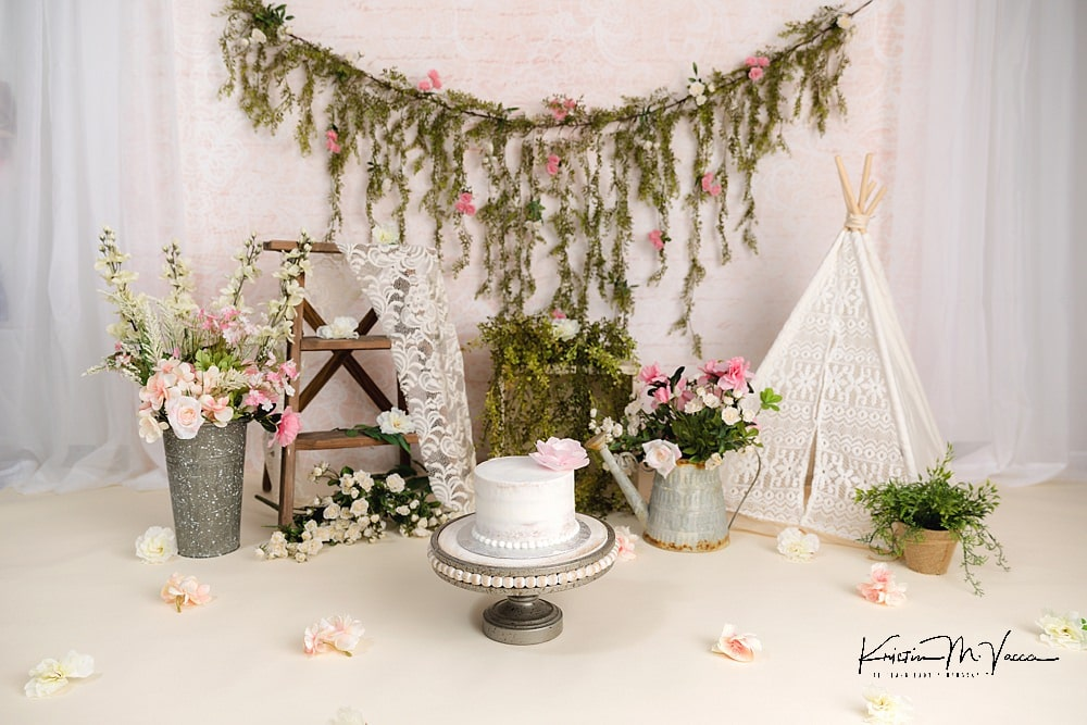 First birthday bohemian cake smash with baby Jessa by The Flash Lady Photography