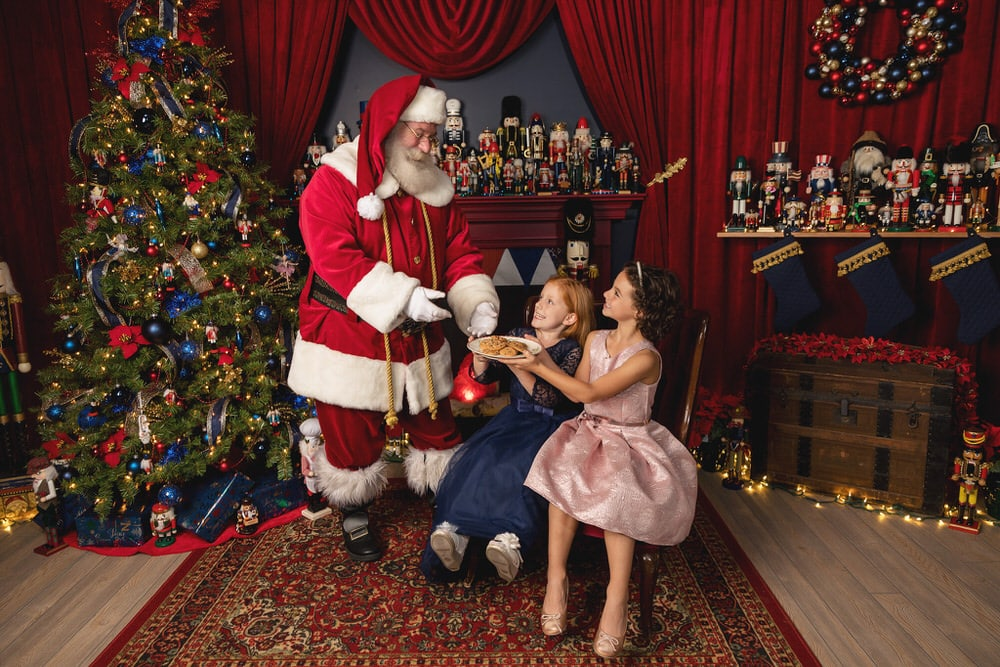 -89Santa-Experience-Modeling-Photos-Nutcracker-Flash-Lady-Photography