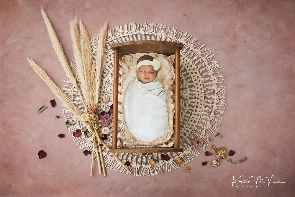 Providing coronavirus newborn photos as composites by he Flash Lady Photography