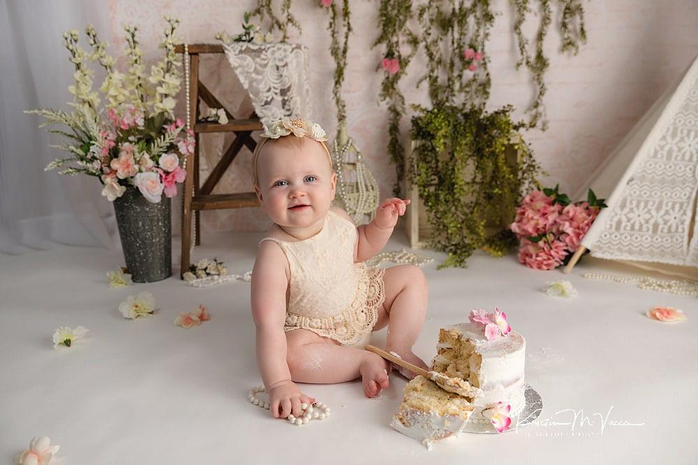 Girly bohemian cake smash by The Flash Lady Photography