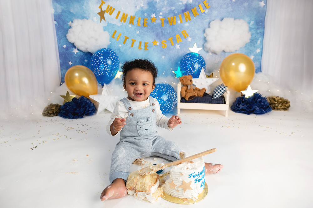 Cake smash baby by The Flash Lady Photography