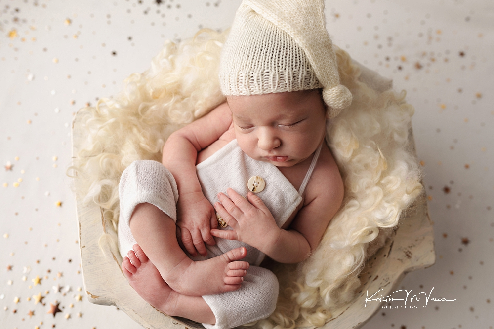 Winter rustic newborn photos by The Flash Lady Photography.