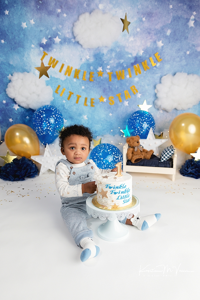 Twinkle twinkle cake smash by The Flash Lady Photography