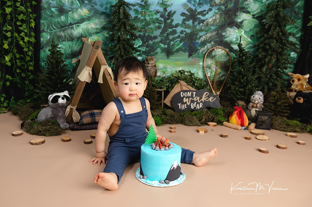 Camping outdoor cake smash by The Flash Lady Photography