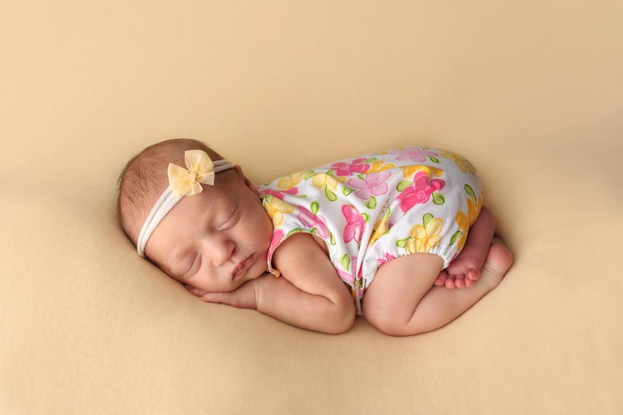 -14Evelyn-Pastel-Newborn-Photos