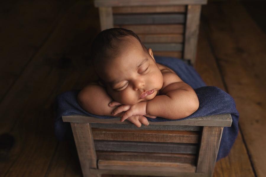 -14Tiago-6-Week-Newborn-Photos (1)
