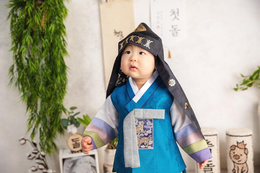 -20Theo-Korean-Dol-Birthday-Photos