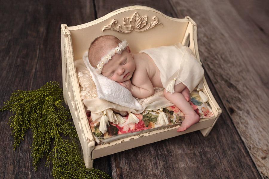 -23Willow-Pink-Floral-Newborn-Photos