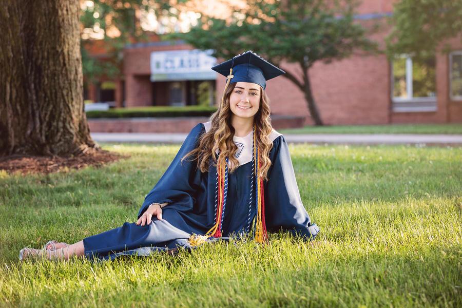 -30Alyssa-Newington-High-School-Senior-Portraits