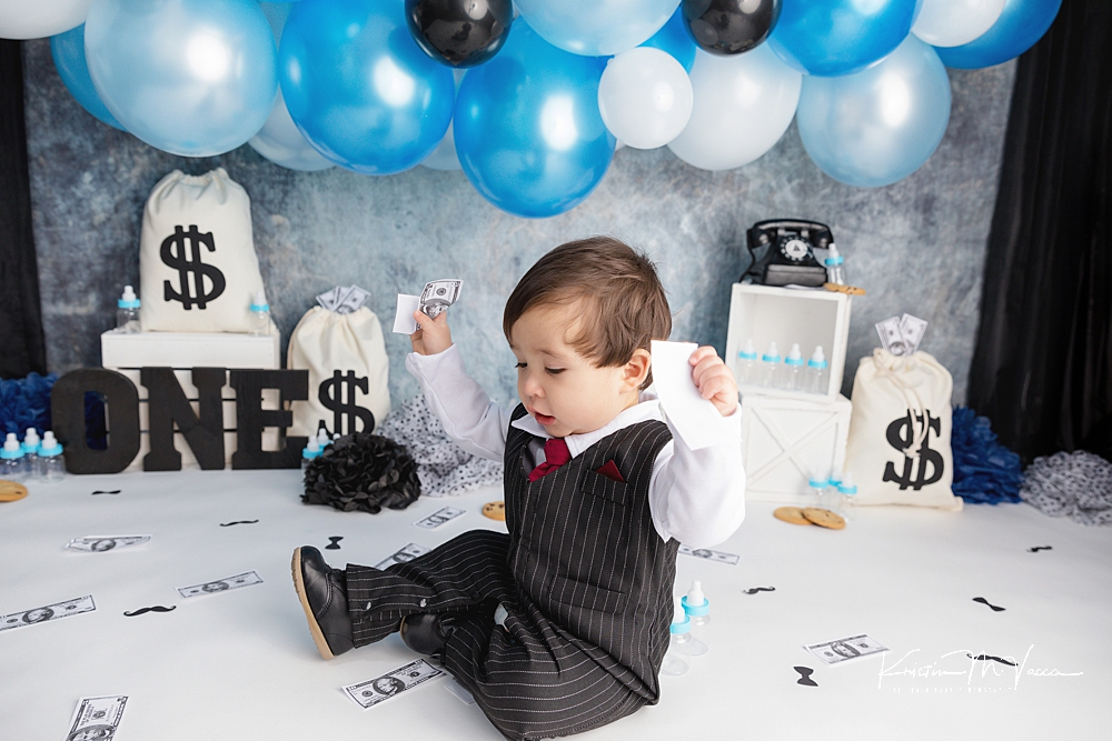 Baby Boss cake smash by The Flash Lady Photography