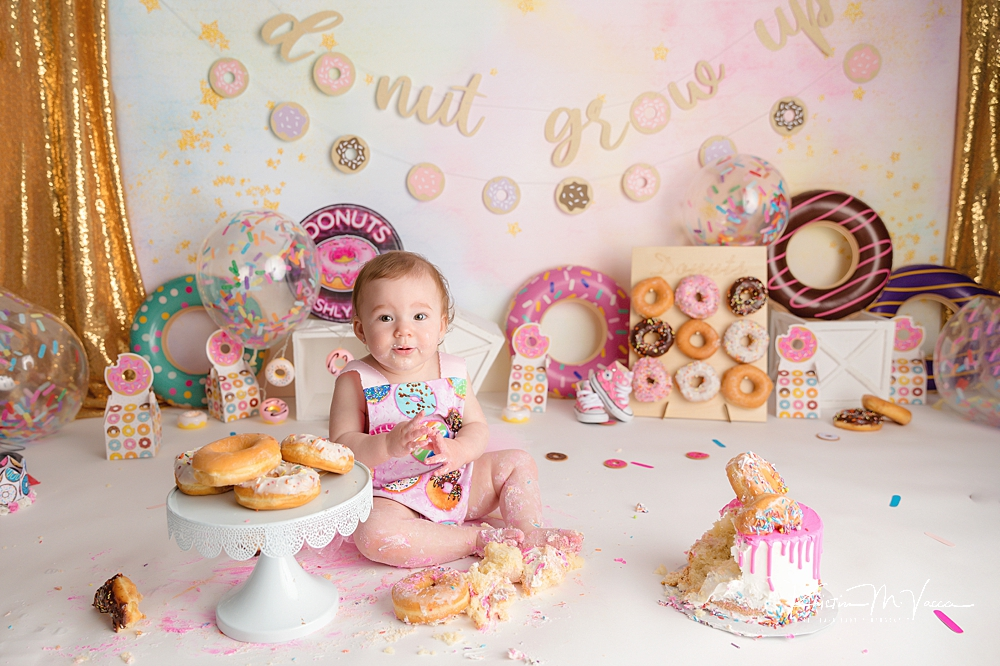 Donut grow up cake smash by The Flash Lady Photography