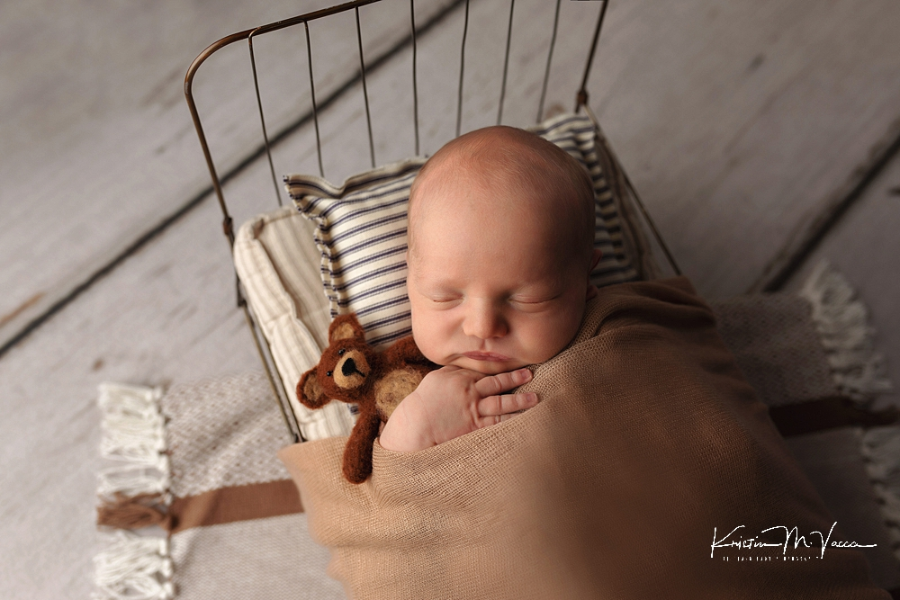 Large family newborn photos by The Flash Lady Photography