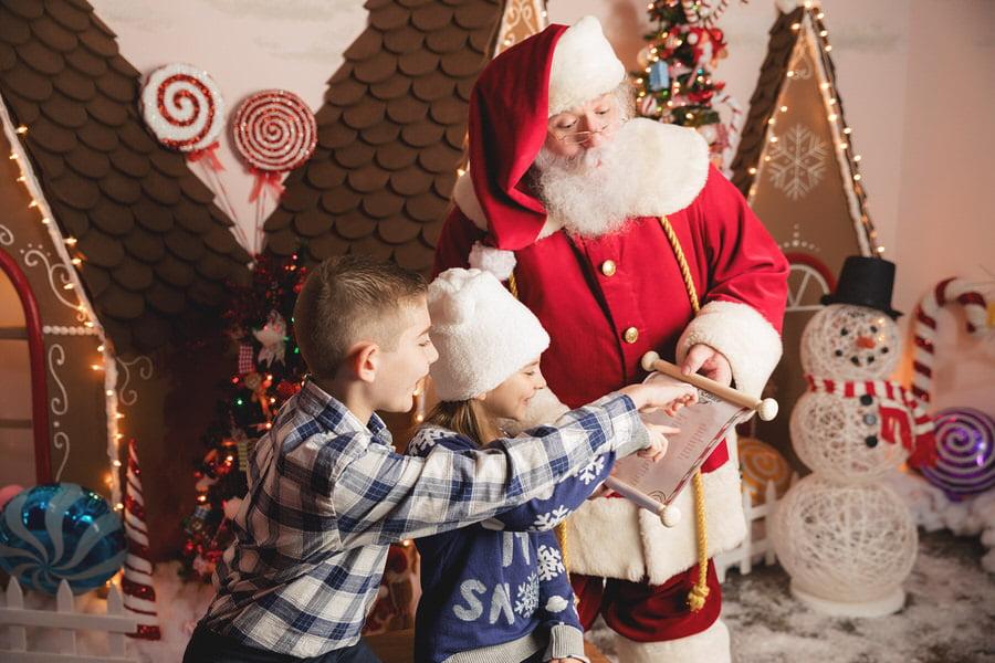 -13Scungio-Family-Santa-Experience-2020