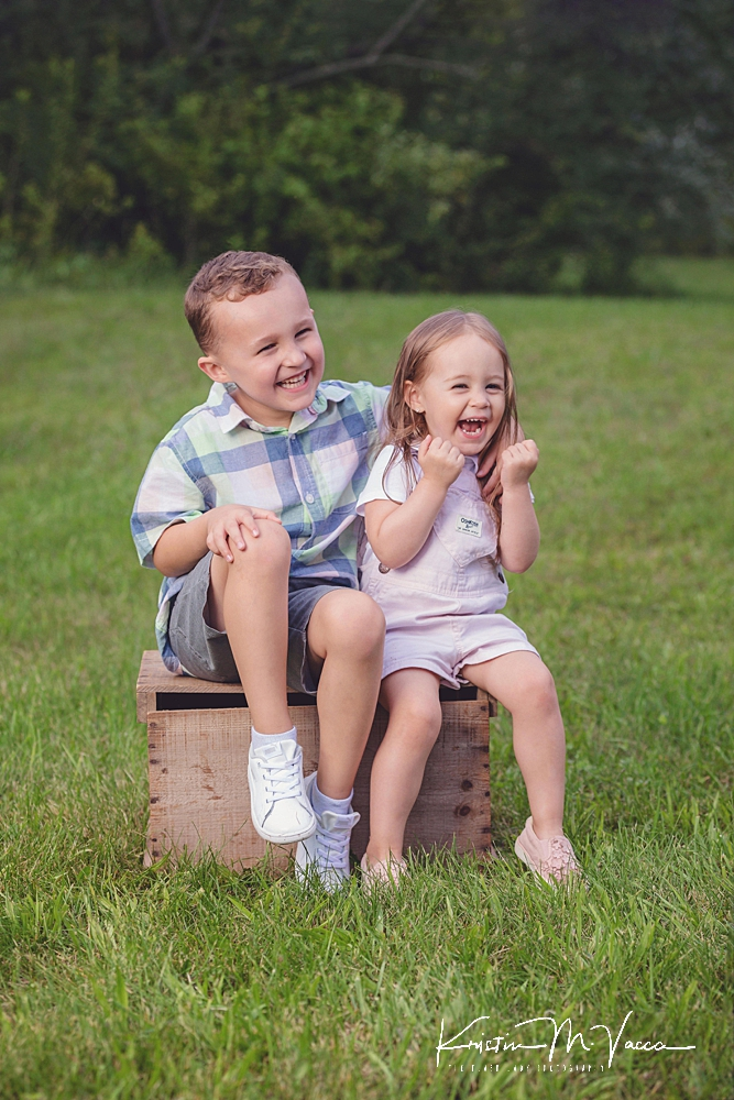 Beautiful summer family photos by The Flash Lady Photography
